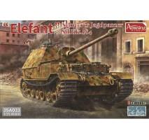 Amusing Hobby 35A033 - 1:35 Sd.Kfz.184 Schwerer Jagdpanzer Elefant (FULL INTERIOR)