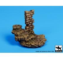 Black Dog - Baza figurina – scari din piatra cu columna 1:35