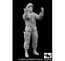 Black Dog - Figurina rasina soldat american (ghideaza vehicul) 1:35