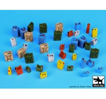 Black Dog - Modern plastic cans accessories set 1:35
