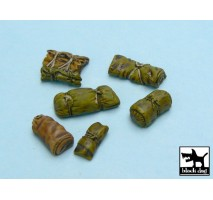Black Dog - Tentage + bedrolls 1 accessories set 1:48