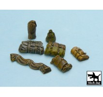 Black Dog - Tentage + bedrolls 3 accessories set 1:48