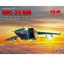 ICM 72175 - 1:72 MiG-25 BM Soviet Strike Aircraft