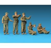 Miniart 35229 - Jagdpanzer SU-85 (r) with Crew - 5 figures 1:35