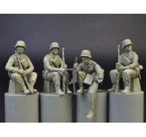Miniart 35248 - 1:35 GERMAN PANZERGRENADIERS - 4 figures
