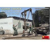 Miniart 35350 - 1:35 German Tankmen with Gantry Crane Maybach HL 120 Engine
