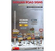 Miniart 35609 - 1:35 German Road Signs WW2 (Ardennes, Germany 1945)