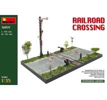 Miniart 36059 - 1:35 Railroad Crossing