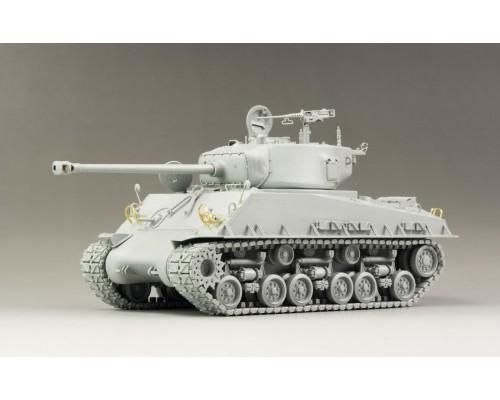 "RYE FIELD MODEL RM-5028 - 1:35 U.S. MEDIUM TANK M4A3E8 Sherman ""Easy Eight"""