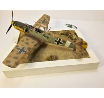 "Diorama avion german Messerschmitt Bf 109 E7 ""Tropical"" (cu baza) 1:48"