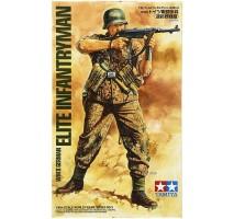 Tamiya 36303 - 1:16 WWII German Infantryman - Elite