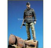 Young Miniatures figure - SS Panzer Officer with T-34 Mantlet Base 90mm