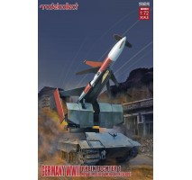 Modelcollect - 1:72 Germany Rheintochter 1 movable Missile launcher with E50 body