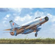 Trumpeter 02896 - 1:48 Soviet Su-9 Fishpot