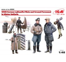 ICM 48086 - 1:48 WWII German Luftwaffe Pilots and Ground Personnel in Winter Uniform - 5 figures