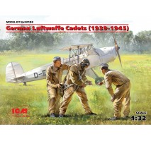 ICM 32103 - 1:32 German Luftwaffe Cadets (1939-1945) (3 figures) (100% new molds)
