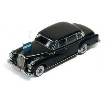 IXO - 1:43 Mercedes-Benz 300D Limousine 1957 - President Somoza of Nicaragua