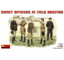 Miniart 35027 - 1:35 Soviet Officers at Field Briefing - 5 figures