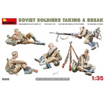 Miniart 35233 - Soviet Soldiers Taking a Break - 5 figures 1:35