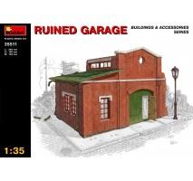 Miniart 35511 - 1:35 Ruined Garage
