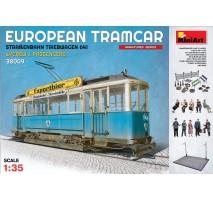 Miniart 38009 - European Tramcar (Strassenbahn Triebwagen 641) with Crew & Passengers - 10 figures 1:35