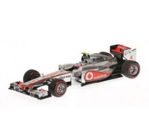 Minichamps - VODAFONE MCLAREN MERCEDES MP4-26 - BUTTON WIN CANADA GP 2011 L.E. 2511 pcs.