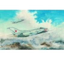 Trumpeter 02803 - 1:48 MiG-19S Farmer C