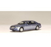 AUTOart 56151 - MAYBACH 57 SWB (COTED AZUR BLUE MIDDLE / BRIGHT METALLIC) 1:43