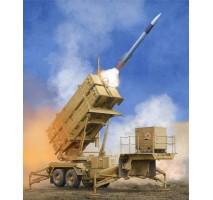 Trumpeter 01040 - 1:35 US M901 Launching Station w/MIM-104F Patriot SAM System (PAC-3)