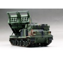 Trumpeter 01049 - 1:35 M270/A1 Multiple Launch Rocket System - US