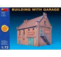 Miniart 72031 - 1:72 Building with Garage