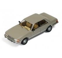 IXO - 1:43 Ford Granada 1982 Gold with Brown Interiors