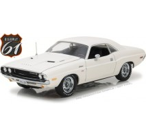 Highway 61  - 1:18 1970 Dodge Challenger R/T - White