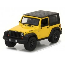GreenLight 35070-F - 2015 Jeep Wrangler Willys Wheeler Solid Pack - All-Terrain Series 5