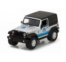 GreenLight 27920-D - 2015 Jeep Wrangler MOPAR 80th Solid Pack - Anniversary Collection Series 5