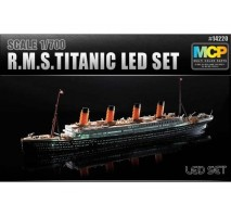 Academy 14220 - 1:700 R.M.S. TITANIC + LED SET MCP