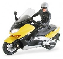 TAMIYA 24256 - 1:24 Yamaha TMAX with Rider Figure