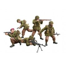 Bronco Models CB35130 - 1:35 WWII British Paratroops In Combat Set A