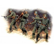 Masterbox 3522 - 1:35 Eastern Front Series. Kit № 1. German Infantry in action, 1941-1942 - 4 figures