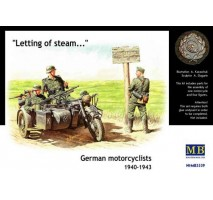 Masterbox 3539 - 1:35 German motorcyclists, 1940-1943 - 3 figures
