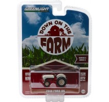 "GreenLight 48020-A - 1948 Ford 8N Tractor - White and Red ""Weathered"" Solid Pack - Down on the Farm Series 2"
