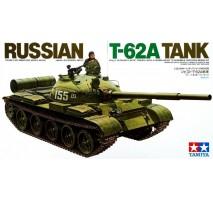 TAMIYA 35108 - 1:35 Russian T-62A Tank - 1 figure