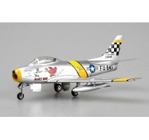 Easy Model 37104 - 1:72 F-86F30, 39FS/51 FW, Flown by Chrles McSain. Kroea, 1953