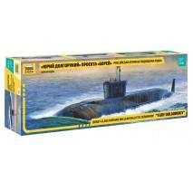 "Zvezda 9061 - Nuclear Submarine ""Yuri Dolgorukij"" 1:350"